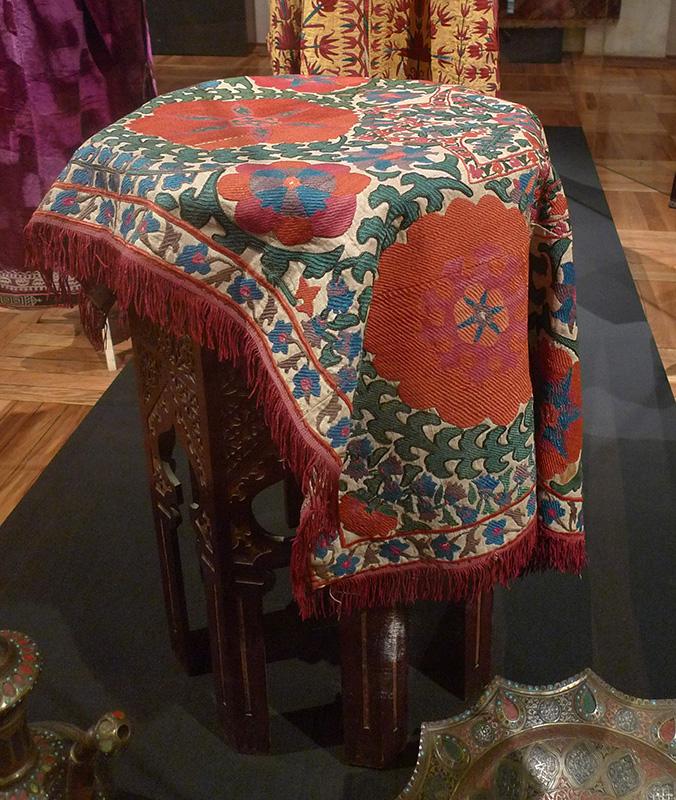 Сузани — среднеазиатская вышивка