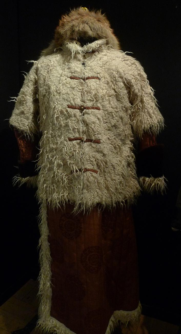 традиционный женский бурятский костюм