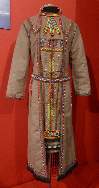 традиционный женский эвенкийкий костюм