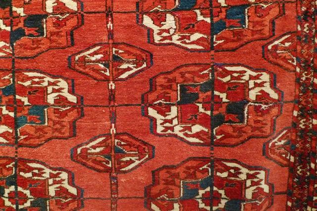 Ковер текинский, Туркмения; фрагмент главного поля
