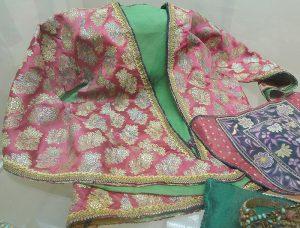 Кофточка женская. Индия, нач. XX в. Парча, шелк, ткачество ручное