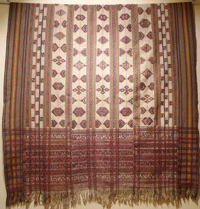 Куштара (род шали).Бутан, XIX в. Х/б нить, шелк-сырец, ткачество