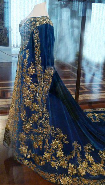 Парадное платье императрицы Александры Фёдоровны