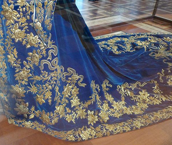 Парадное платье императрицы Александры Фёдоровны (фрагмент)