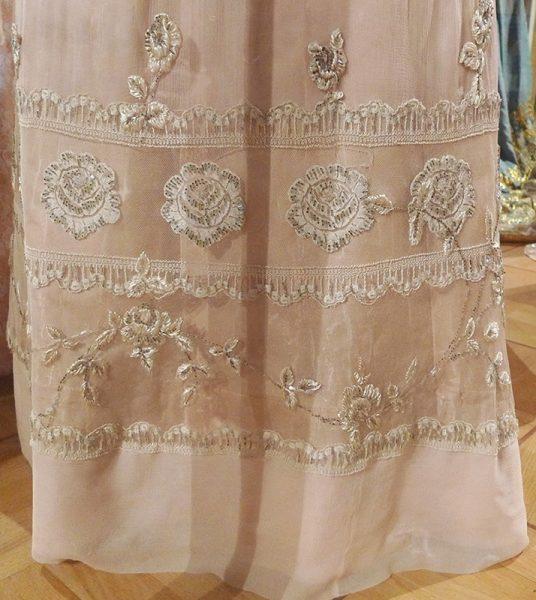 Бальное платье великой княжны (фрагмент)