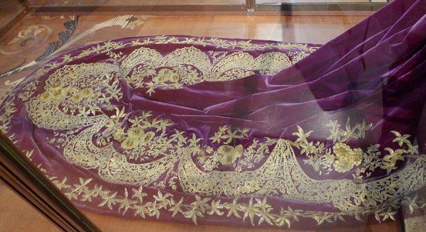 Парадное платье (фрагмент) императрицы Марии Фёдоровны