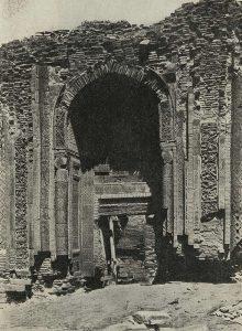 Южный мавзолей в Узгене. 1187 г. Общий вид портала