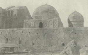 Мечеть Ессеви в г. Туркестане. 1397 г. Общий вид с бокового фасада