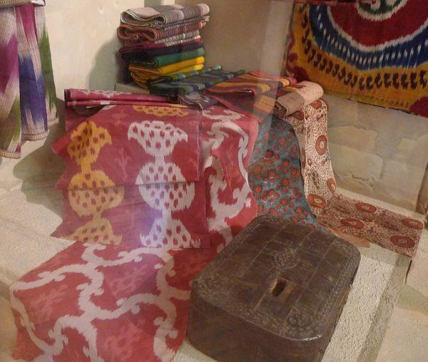 Кустарные ткани. Узбекистан