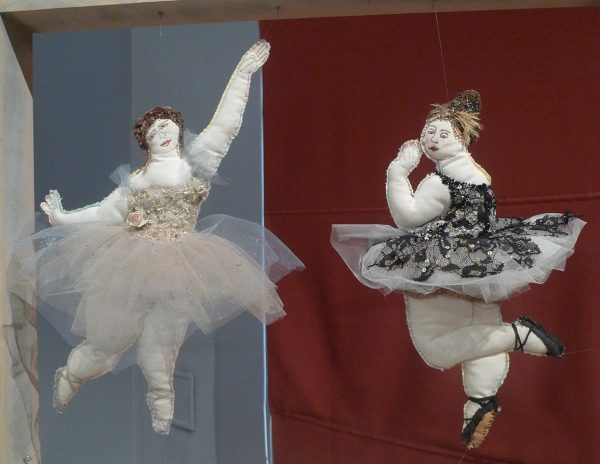 А. Бедина, С. Ланшакова. Балерины Одетта и Одилия
